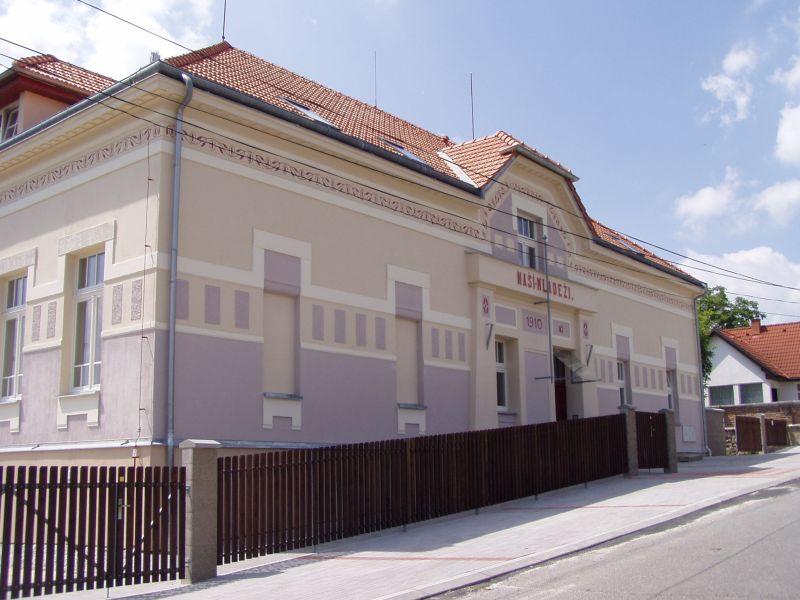 Škola Hvozdnice